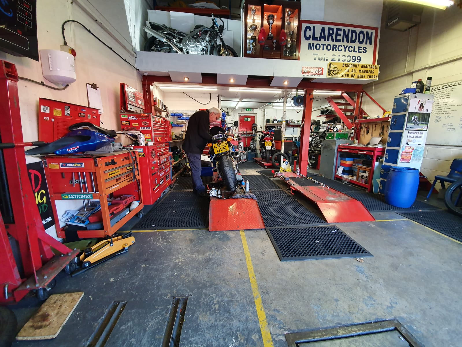 Clarendon motorcycles mechanic